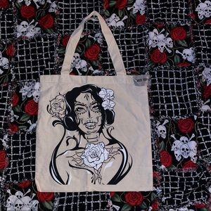 HOT TOPIC ZOMBIE TONGUE TOTE 🌹